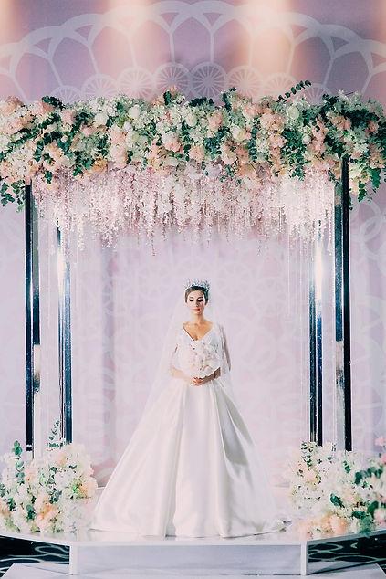Свадебное платье 2021 тренд. Классическая шикарная свадьба. Президиум на свадьбу