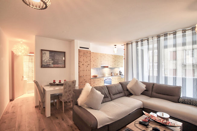 PARLISWISS_Pontresina_Casa 4 WHG7 _  Living area.jpg
