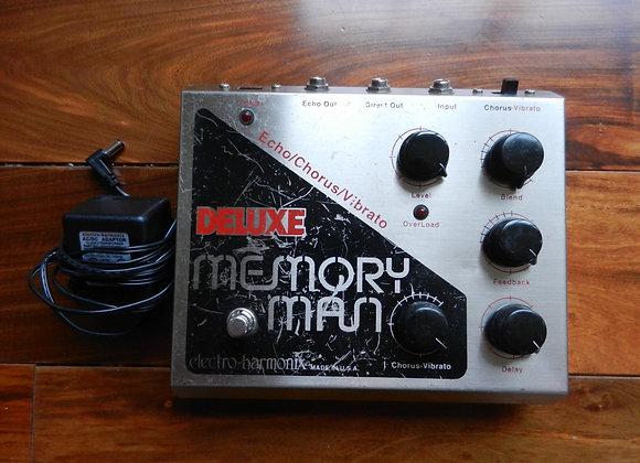 EHX Deluxe Memory Man MN3005