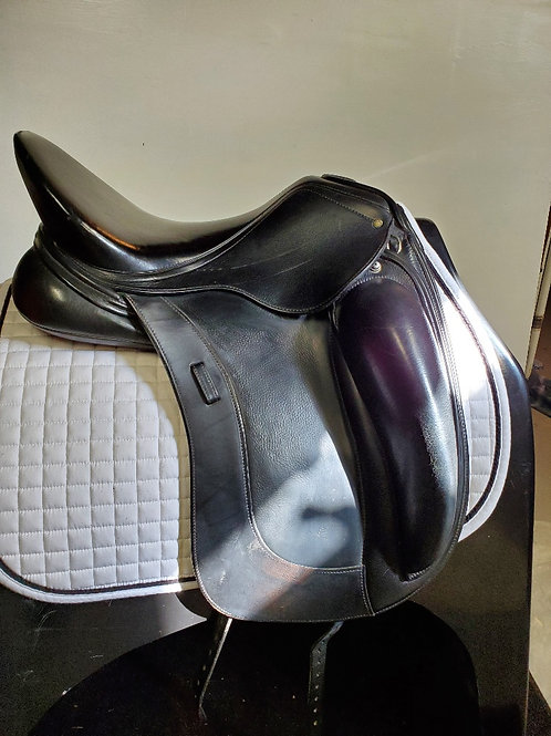 Schleese Link II Dressage, 17.5, Medium