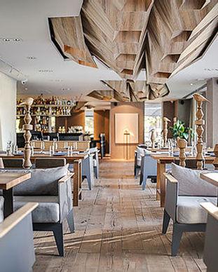 Intérieur de restaurant moderne.jpg
