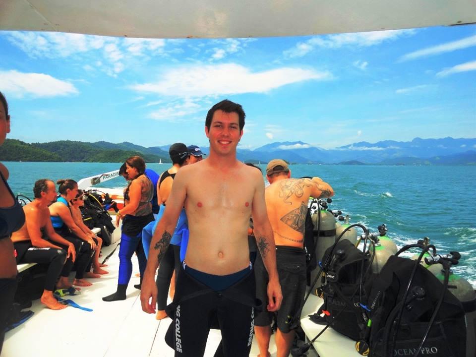 Diving College Escola de Mergulho (1).jpg