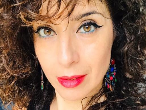 Luana Raia bellissima artista poliedrica innamorata del lago d'Iseo, ha scelto Riva di Solto