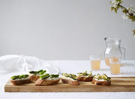 Bruschetta med asparges og squash
