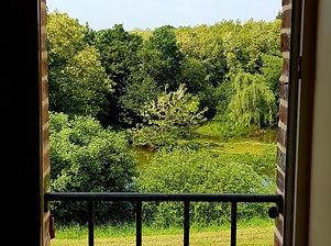 fenetre maison 2 ouverte sur la nature.j