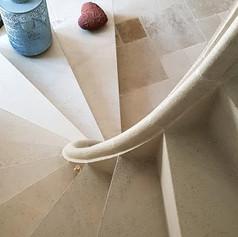 escalier pierre.jpg