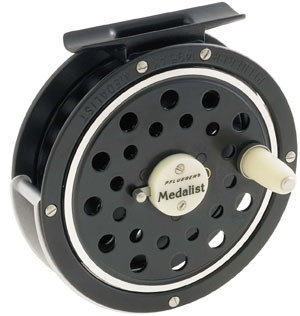 SHAKESPEARE- FLY REEL AND SPARE SPOOL 5-6