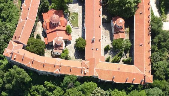 Bachkovo Monastery (4).jpg
