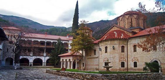 Bachkovo Monastery (3).jpg