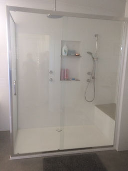 Showerscreen -Perimeter frame with frame