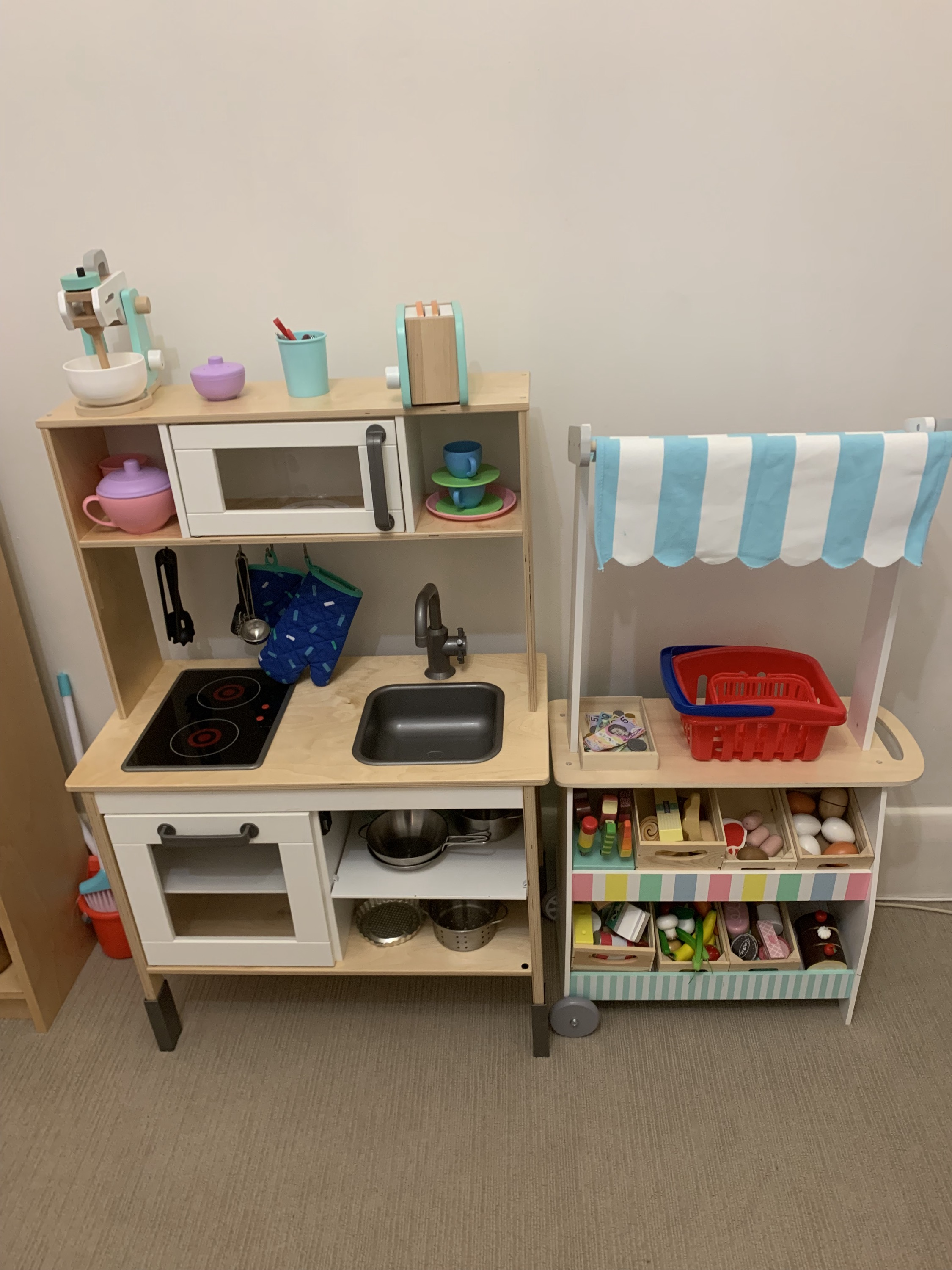 Kitchen and shop - real life and role play