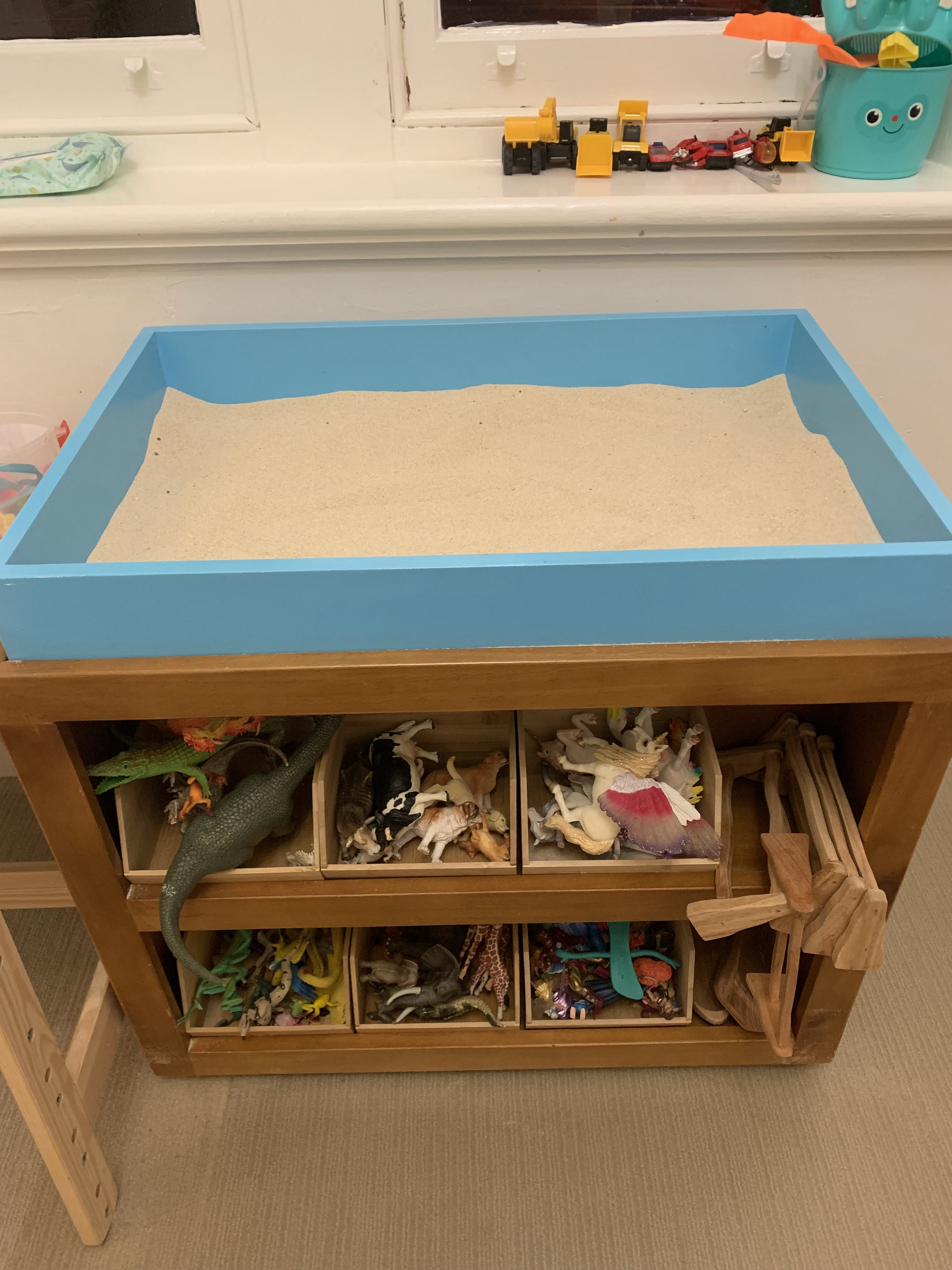 Sand tray and miniatures