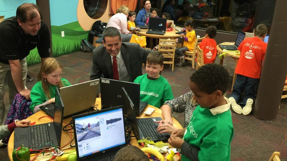 KIDS LEARN TO CODE AT THE LIBRARY!