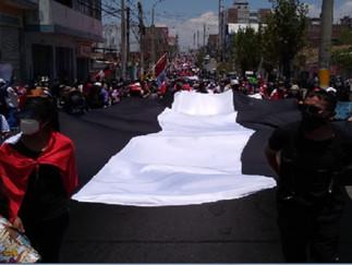 Ciudadanos rinden homenaje a jóvenes que fallecieron en manifestación nacional