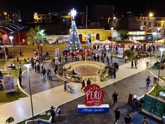 Caja Ica realiza encendido del árbol navideño en Barranca