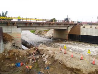 Restablecen puentes dañados en Chimbote y Barranca