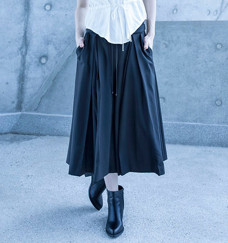 Pleated pant with drawstring