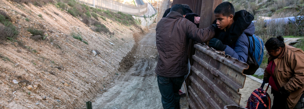 Crossing the fence06.JPG