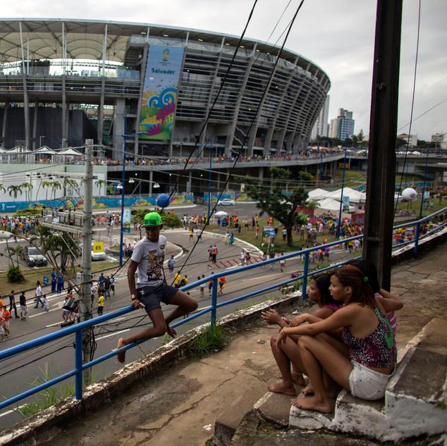 Brasil fuera del estadio02.jpg