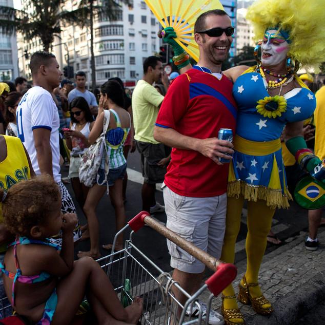 Brasil fuera del estadio09.jpg