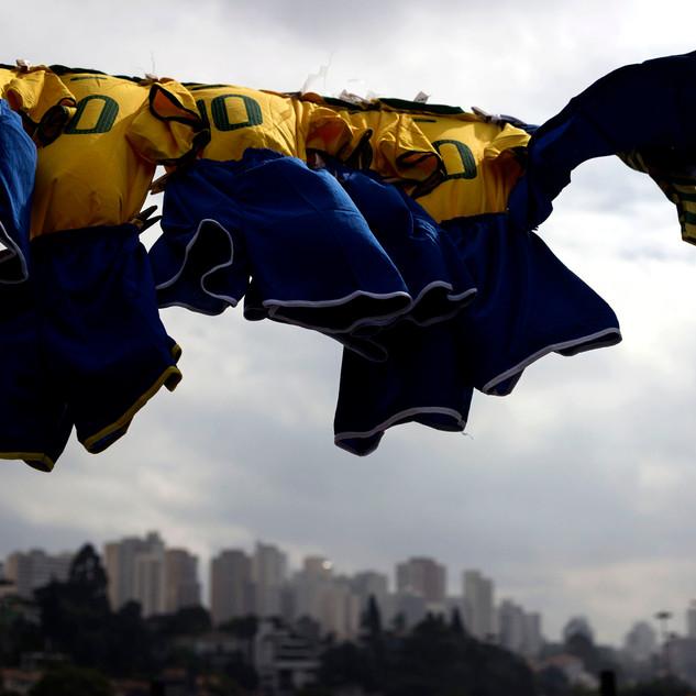 Brasil fuera del estadio01.jpg