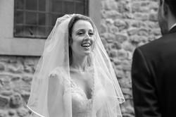 sposa-in-bianco-e-nero-ritratto-spontane