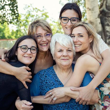 Tre generazioni in un abbraccio - Shooting di Famiglia