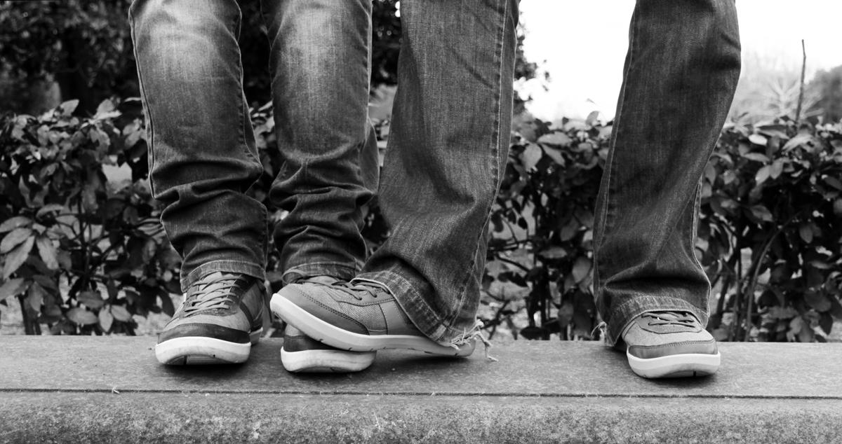marco-e-swann-servizio-fotografico-coppia-gay-dettaglio-piedi