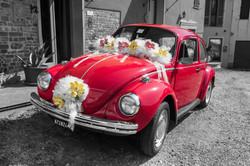 matrimonio-maura-e-giancarlo-castelfiorentino-toscana-macchina-rossa-sposi