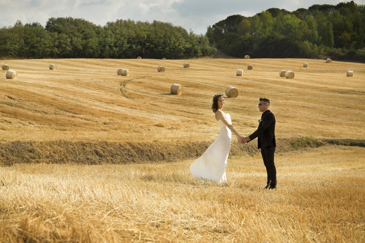 matrimonio-cristina-e-matteo-toscana-campo-di-grano
