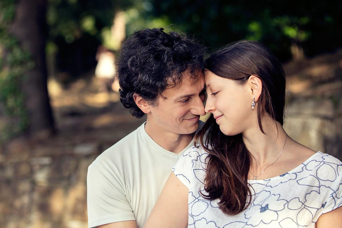 eva-e-paolo-servizio-fotografico-coppia-sesto-fiorentino-romantico-bacio (9)