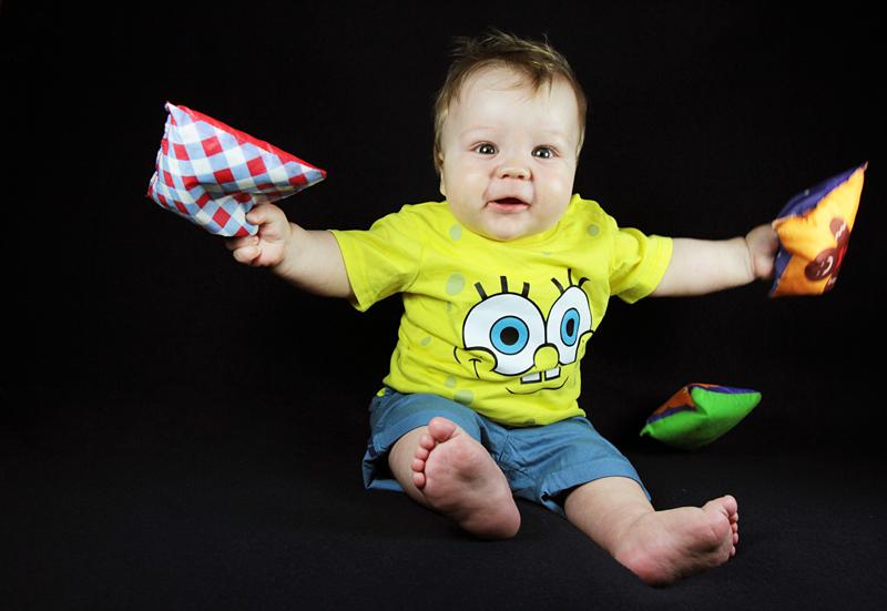 servizio-fotografico-bambino-firenze-spongebob-giochi-neonato