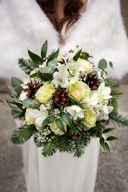 bouquet-mazzolino-invernale-sposa