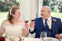 caludia-e-francesco-matrimonio-toscana-brindisi-sposi