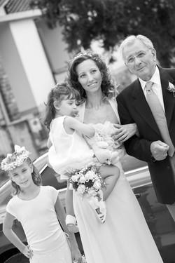 matrimonio-cristina-e-matteo-toscana-arrivo-sposa-bianco-e-nero