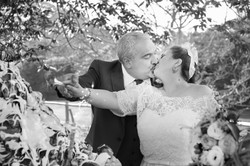 caludia-e-francesco-matrimonio-toscana-taglio-della-torta