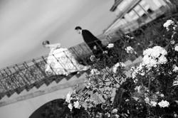 matrimonio-raffaella-e-vincenzo-sesto-fiorentino-firenze-bianco-e-nero-scalinata-roselline