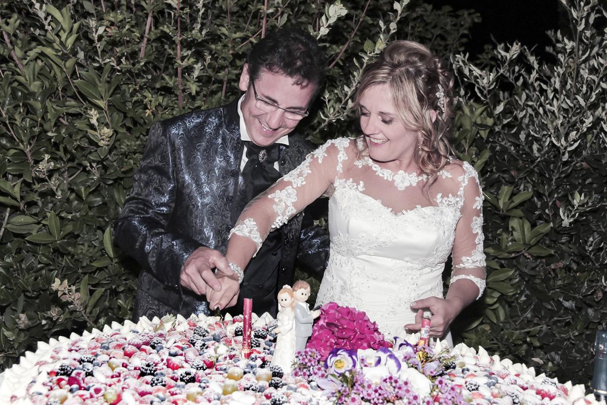 matrimonio-maura-e-giancarlo-castelfiorentino-toscana-taglio-torta