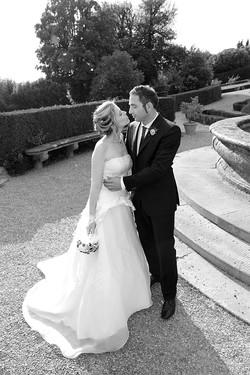 matrimonio-raffaella-e-vincenzo-sesto-fiorentino-firenze-bianco-e-nero-sposi-in-giardino