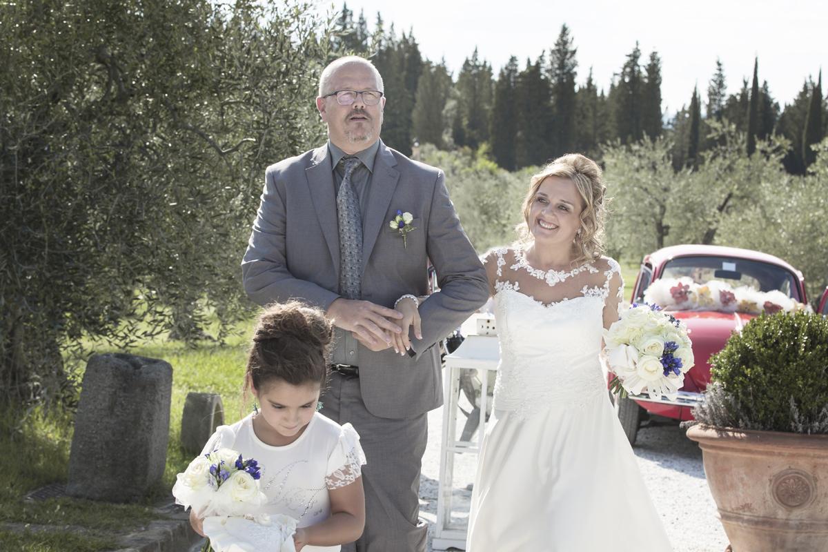 matrimonio-maura-e-giancarlo-castelfiorentino-toscana-arrivo-sposa