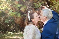 caludia-e-francesco-matrimonio-toscana-sposi-bosco
