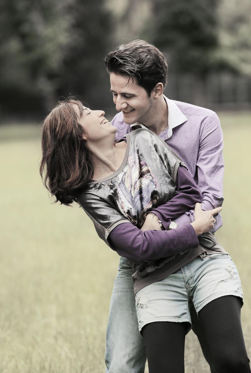 eva-e-paolo-servizio-fotografico-coppia-sesto-fiorentino-abbraccio