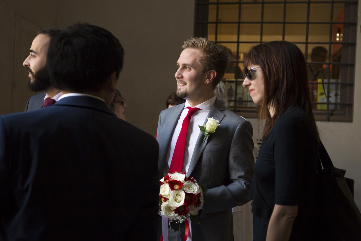 matrimonio-firenze-toscana-sala-rossa-palazzo-vecchio-martina-e-jacopo-attesa-sposo