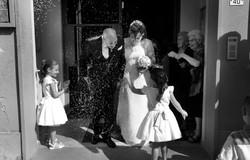 matrimonio-toscana-elena-e-sandro-toscana-comune-pelago-cerimonia-lancio-del-riso