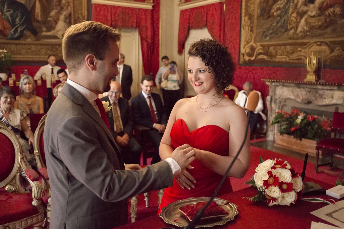 matrimonio-firenze-toscana-sala-rossa-palazzo-vecchio-martina-e-jacopo-scambio-fedi