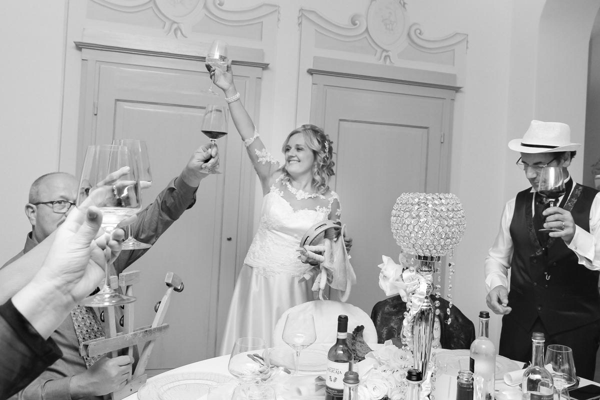 matrimonio-maura-e-giancarlo-castelfiorentino-toscana-brindisi