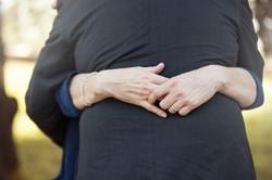 vanessa-e-massimiliano-servizio-fotografico-prematrimoniale-mani-dettaglio