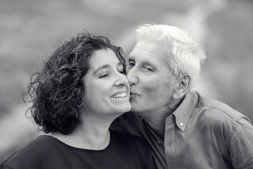 ritratto padre e figlia in bianco e nero