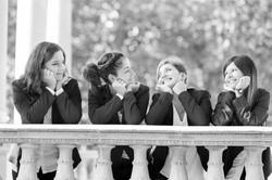 servizio-fotografico-amiche-gruppo-ragazze-sorrisi-bianco-e-nero