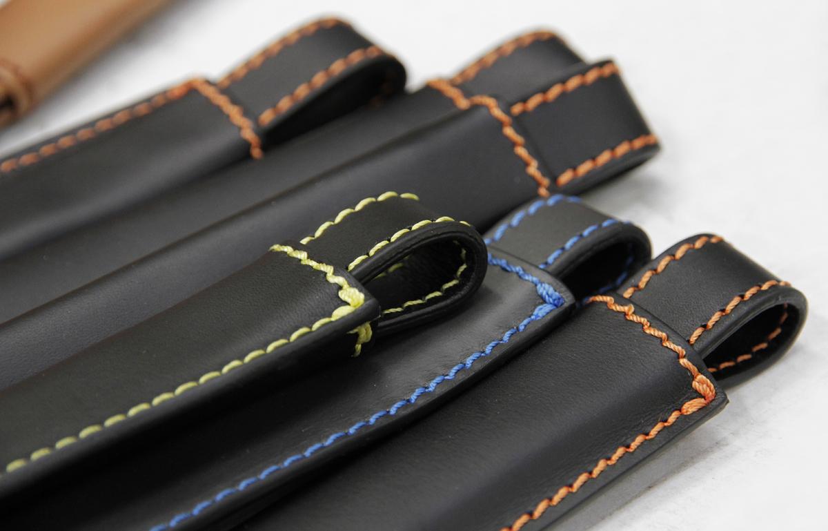 pelletteria-italia-dettagli-borse-accessori-tracolle-pelle-nera